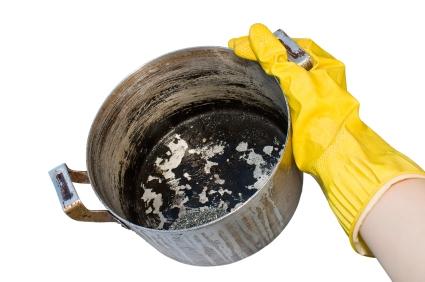 Как очистить алюминиевую кастрюлю от нагара и потемнений