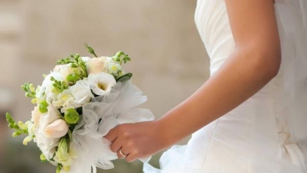 стирать свадебное  во сне