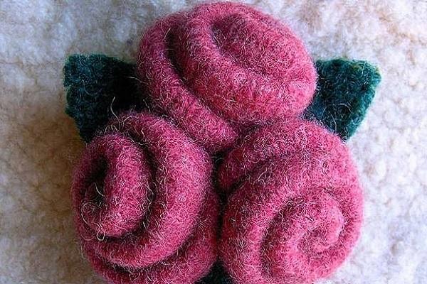 объемные розы из фетра