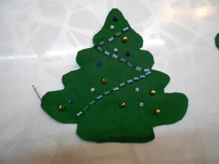 украшаем елку бисером