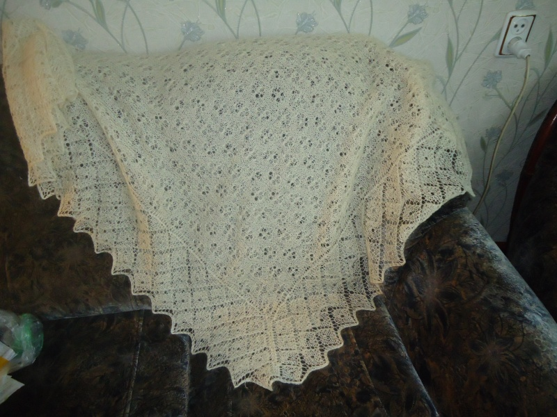 Как правильно вязать платок спицами