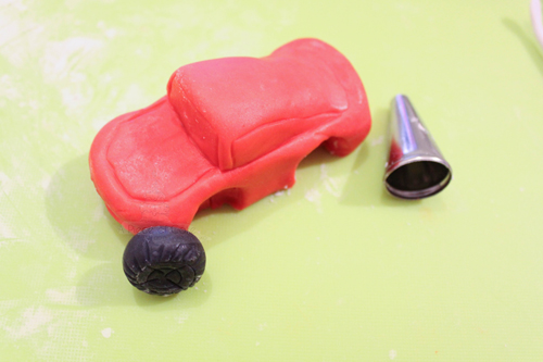 Машинка из мастики пошагово