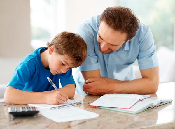 помогать ли ребенку с уроками