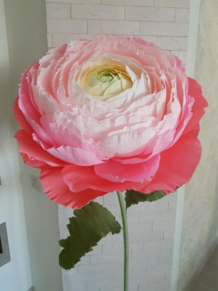 Как сделать огромный цветок из гофрированной бумаги