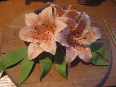 Лилия из мастики: пошагово + фото