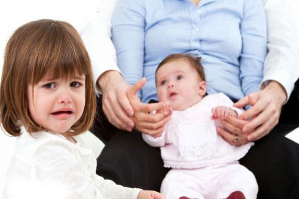 ревность к новрожденному