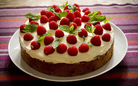 как украсить торт фруктами фото