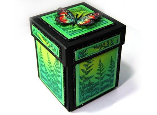 шкатулка с бабочками