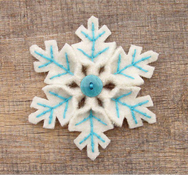 Как сделать снежинки из ткани своими руками