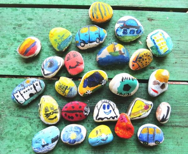 простые рисунки на камнях